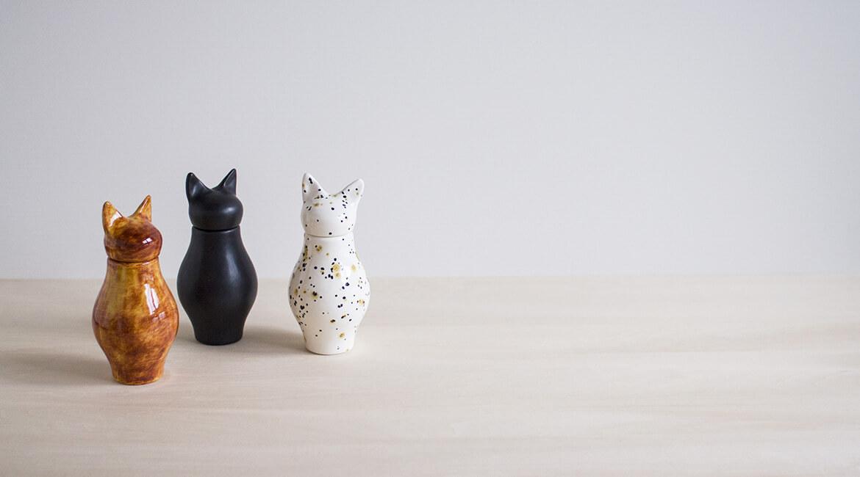 ネコの骨壷