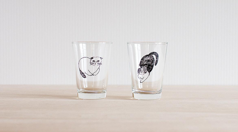 猫のガラスコップ